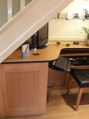 Desk unit built in