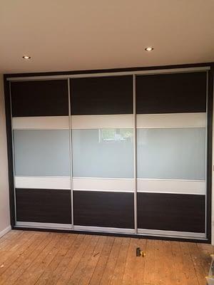 5 panel slide door (Highland black, Light Grey and Grey Glass)